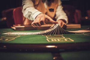 Croupier in einem Casino zu sein, ist ein abwechslungsreicher Beruf. Bild: Neiron Photo/fotolia.com